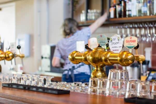 Luftreiniger in Bars und Restaurants - Die Raumluftreiniger von Galuft helfen gegen Viren in Bars und Restaurants