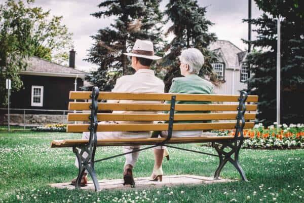 Luftreiniger in Altenheimen - Die Raumluftreiniger von Galuft helfen gegen Viren, Schimmel, Partikel und schlechte Luft in Altenheimen